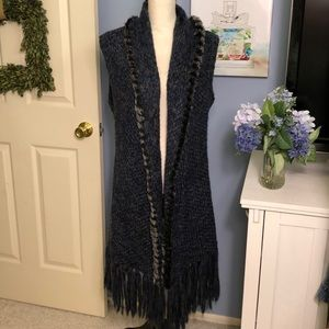 Olivia m. Fringed long vest with faux fur collar